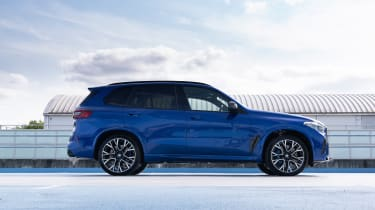 BMW X5M Competition - side