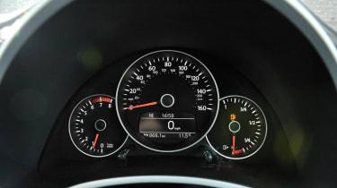 Volkswagen Beetle 1.4 TSI Sport speedo dials