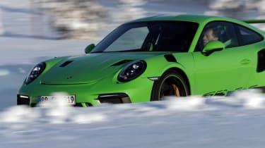 Porsche 911 GT3 RS snow - bonnet