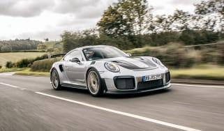 Porsche 911 GT2 RS - front quarter