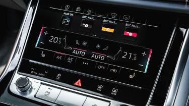 Audi Q8 Vorsprung – lower screen