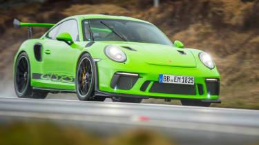 Porsche 911 GT3 RS 991.2 - front driving