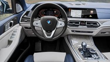 BMW X7 - steering wheel