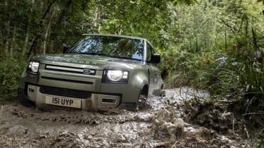 Land Rover Defender PHEV – offroad