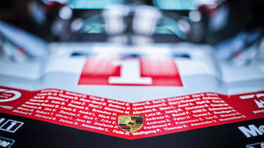 Porsche 919 Hybrid badge