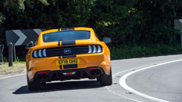Ford Mustang 5.0 V8 GT - rear
