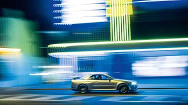 Nissan Skyline GT-R R34 - side