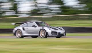 Porsche 911 GT2 RS - 991.2 driving 2