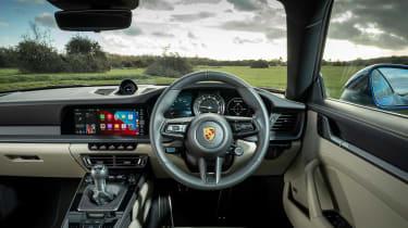 Porsche 911 Carrera S manual blue - dash