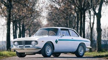 Alfa Romeo GTA Sprint 1300 Junior - front quarter