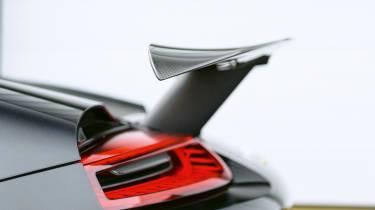 Porsche 918 - rear-wing