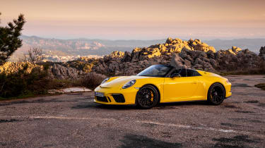 991.2 Porsche 911 Speedster - side