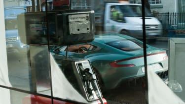 Aston Martin One-77 - real world