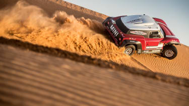 MINI John Cooper Works Buggy articulation – on the sand dunes