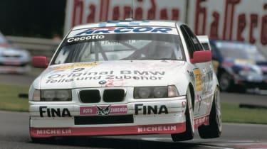 BMW 320i (E36)