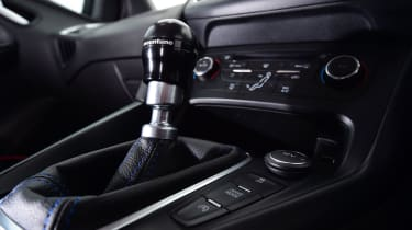 Ford Focus RS Mountune M400 - Gear stick