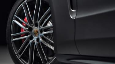 Porsche Panamera Sport Turismo - wheel
