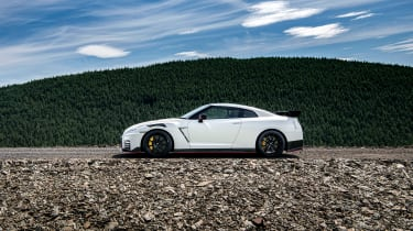 992 GT3 group test – GT-R static