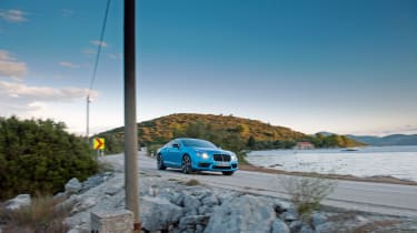 Bentley Continental GT V8 S - driving front