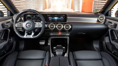 Mercedes-AMG A35 - dash