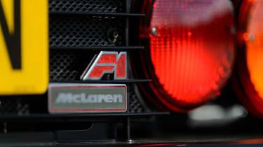 McLaren F1 - badge