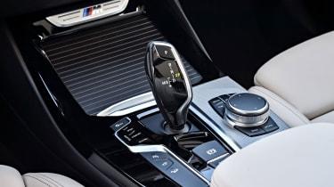BMW X3 M40i - Gear selector