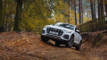 Audi Q5 2021 – front quarter off