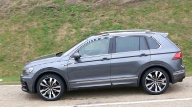 Volkswagen Tiguan R spy - profile