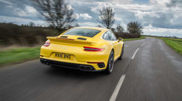 991.2 Porsche 911 Turbo S - rear tracking