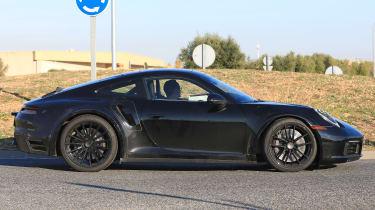 Porsche 911 Turbo spy 2017 - profile