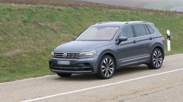 Volkswagen Tiguan R spy - side