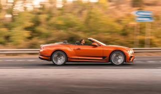 Bentley Continental GT Speed – pan