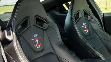 Sutton CS800 Mustang - Seats