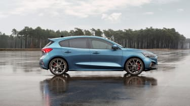 Ford Focus ST 2019 - profile