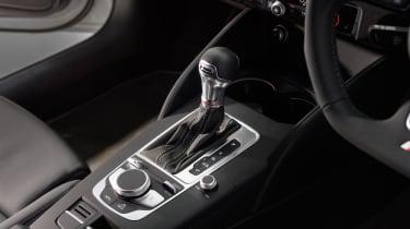 Revo Audi S3 Sportback - Gear selector