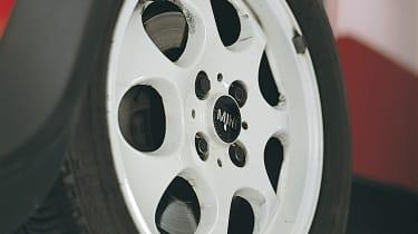 Mini Cooper R50 - wheel