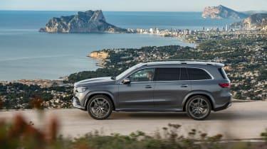 Mercedes GLS - side
