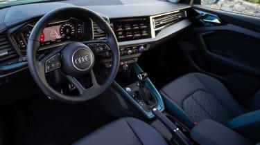 Audi A1 First Edition - blue dash