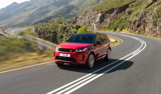 Land Rover Discovery Sport - front quarter