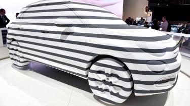 Fiat 500x sculpture: Paris motor show 2014