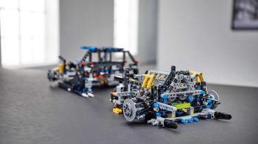 Bugatti Lego header engine