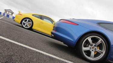 Porsche 911 Carrera S vs C4S