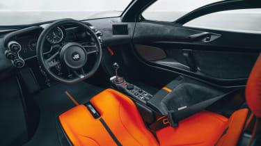 GMA T.50 pro - interior
