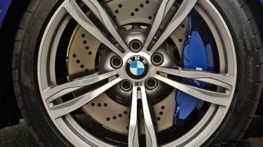 2012 BMW M6 Convertible alloy wheel blue brakes