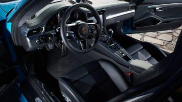 Porsche 911 Carrera S 991.2 - interior