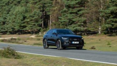 Audi SQ8 TFSI 2021 – front cornering 2
