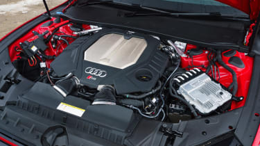 Audi RS7 red - engine