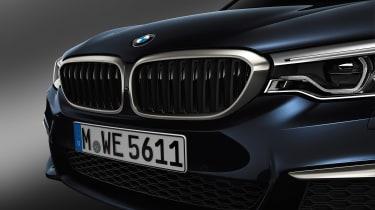 BMW M550d xDrive grill