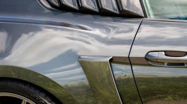 Sutton CS800 Mustang - Side scoop