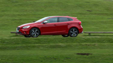 Volvo V40 2016 facelift - R Design profile